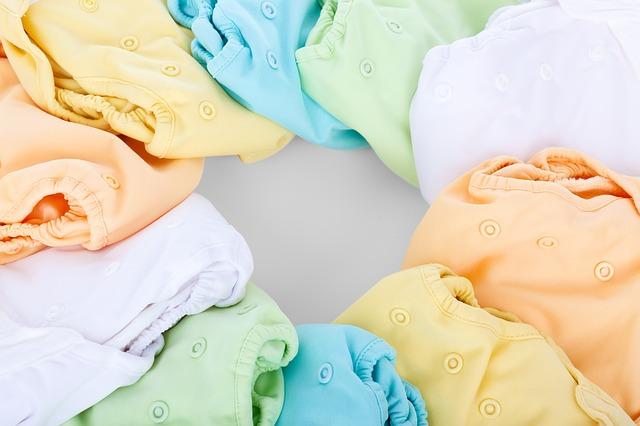 různobarevné oblečky