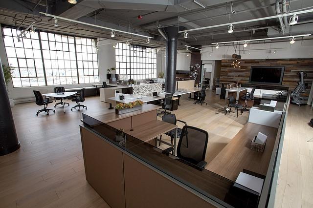 kancelář, televize, židle, stoly, okna
