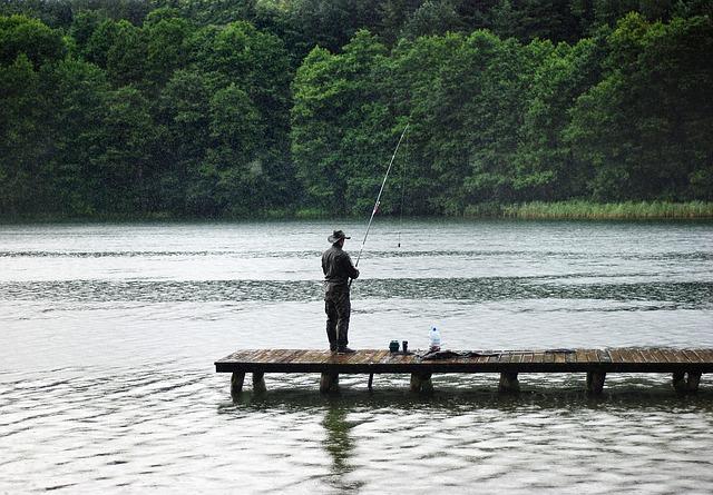rybaření v dešti