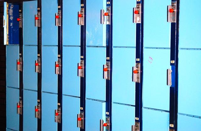 modré skříně