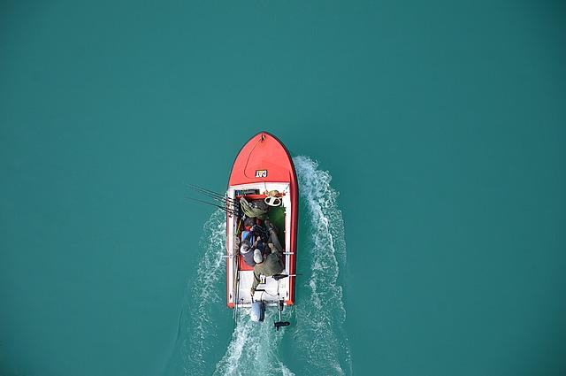 pohled na člun