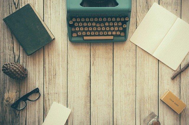 psací stroj s proprietami